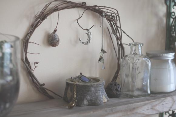 Shelf-decor
